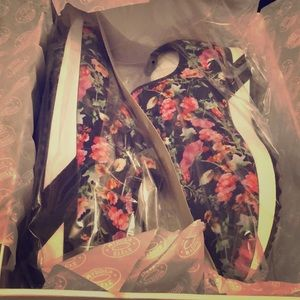 Steve Madden: Speed Floral